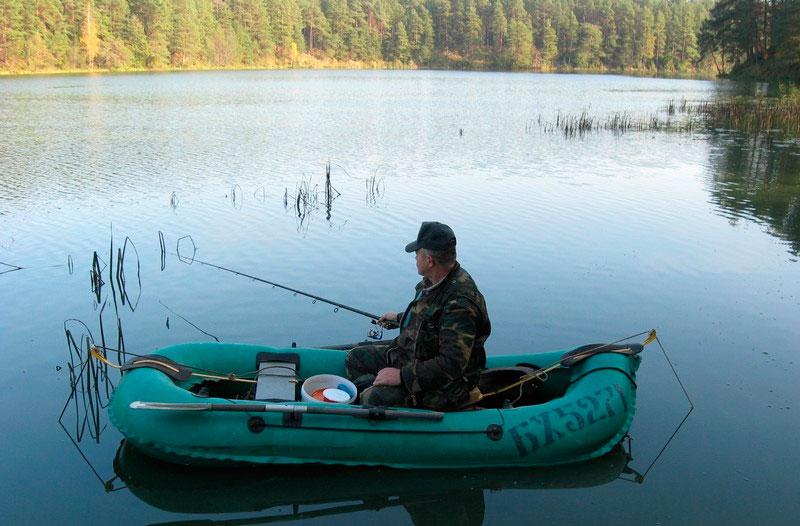 Как лучше ловить рыбу с лодки